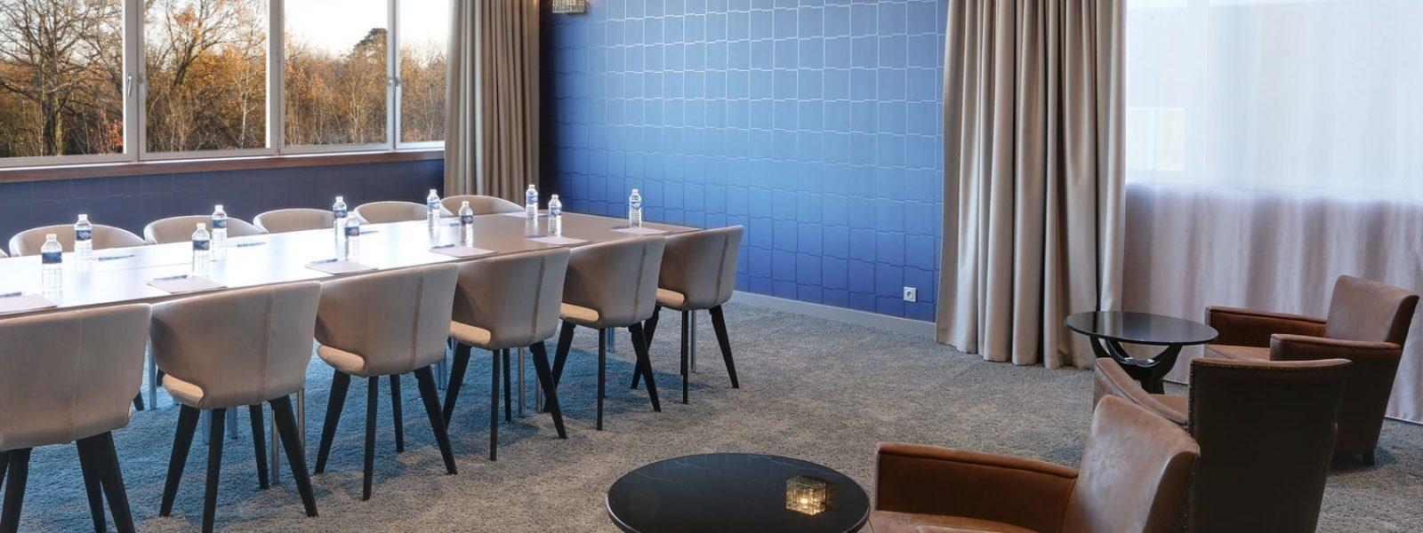 Salle de réunion du Best Western Plus Hôtel Isidore dans l'éco-quartier de la Courrouze à Rennes