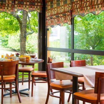 Brit Hotel Le Floréal breakfast